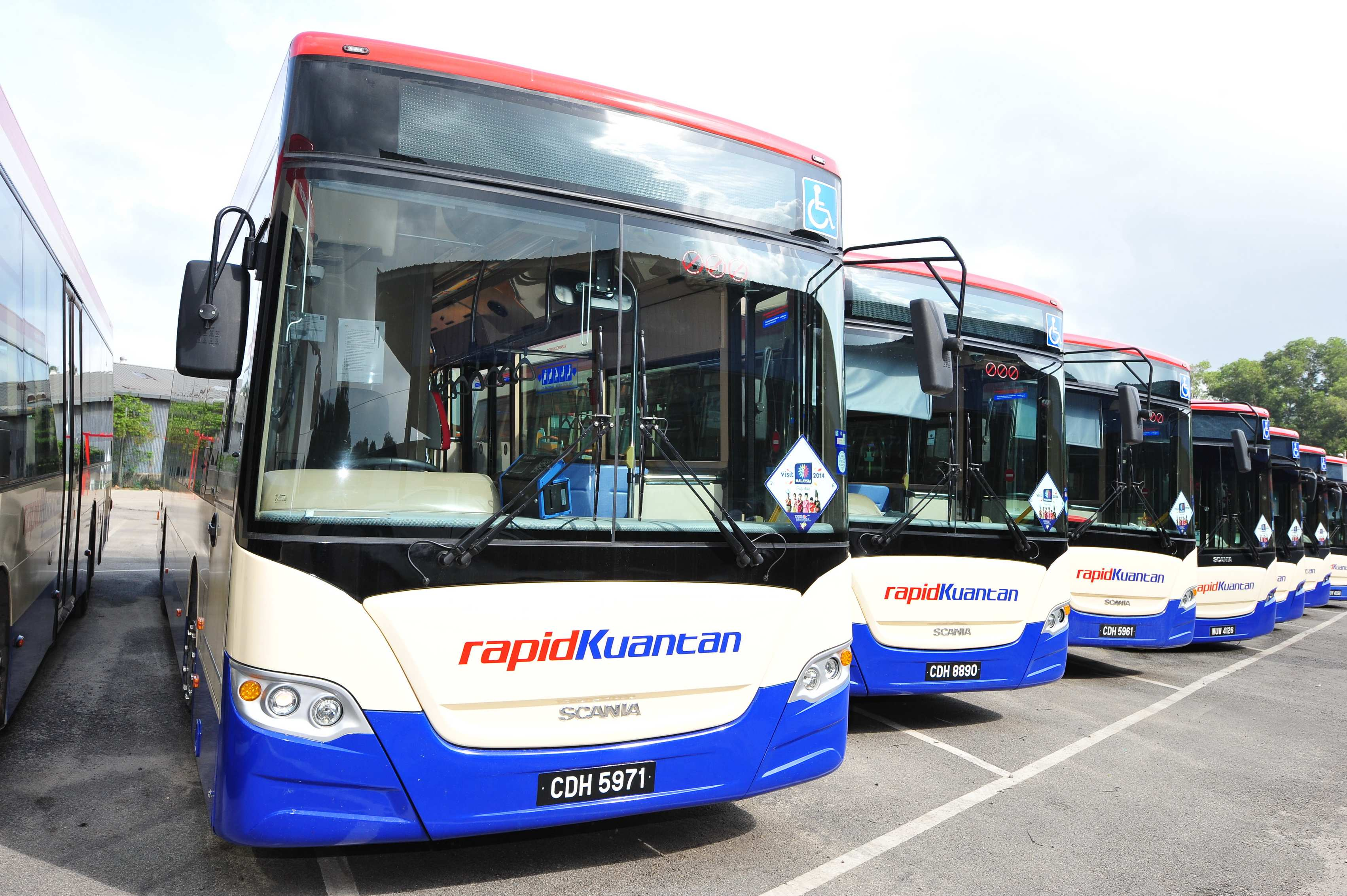 ways to improve express buses services in malaysia Grassland one of the more popular choice for luxury travel from singapore to kl, you can choose between two classes of grassland express coaches – namely the grassland super vip coach or the royal vip express which is a more spacious double deck bus.