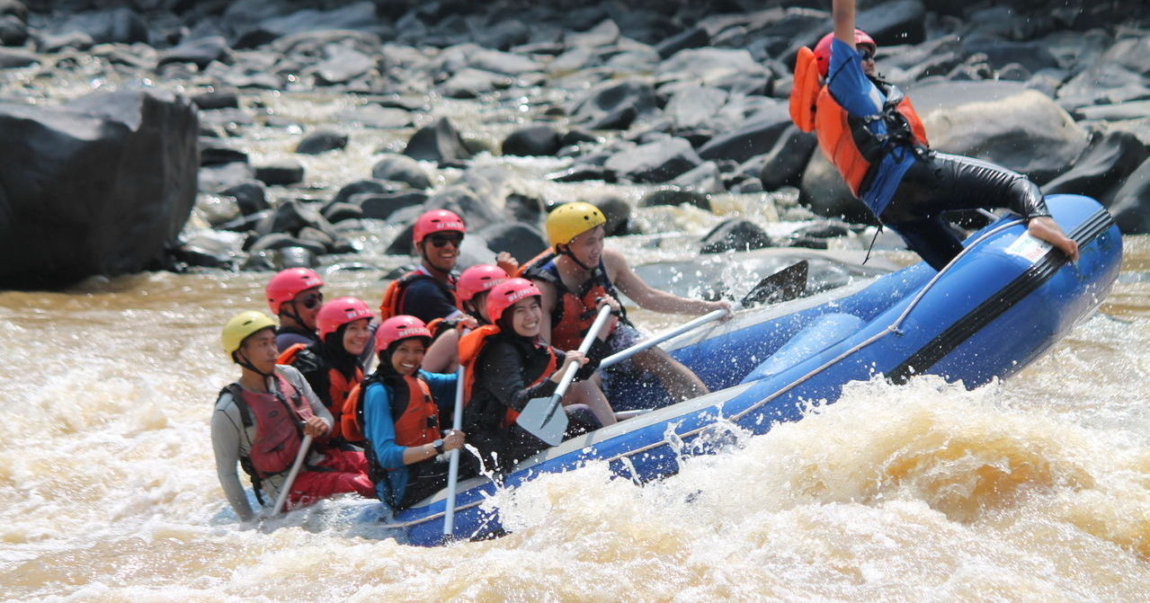 narrative essay white water rafting Compare and gain full essay book free download text books and study the essay  narrative essay on white water rafting © 2004-2012 alara all rights reserved.