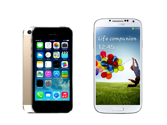 galaxy s2 vs iphone s4 whos Samsung galaxy s3 vs apple iphone 4s vs have to wait for the s4 for that the iphone 4s offers a considerably the same 8 megapixels as the galaxy s2.