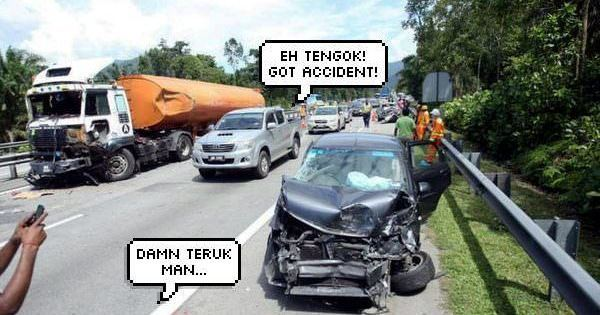 Malaysians Like To Do These Things When There's An Accident