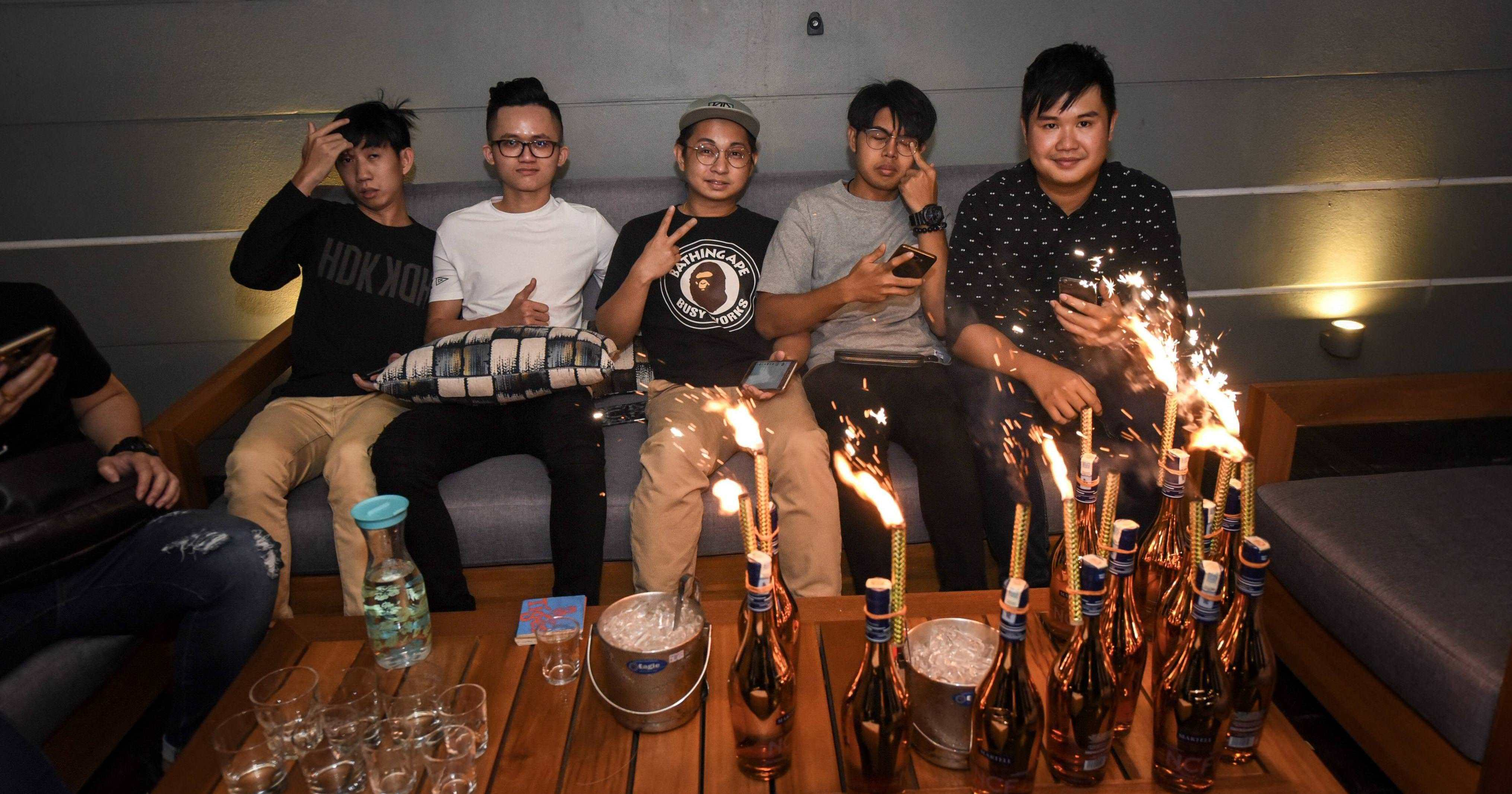 We All Have These 9 Types Of Friends In Our Drinking Gang