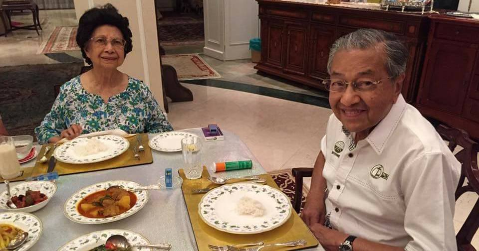 a6f0963bc9784f How Does Tun M Stay Healthy   Look Young  Netizens Think The Answer Is In  This Photo