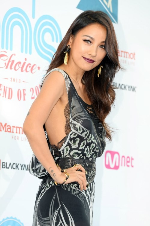 20 Choices Of Red Sofa Chairs: 2013 Mnet 20's Choice Awards: Lee Hyori Icon Of 20's