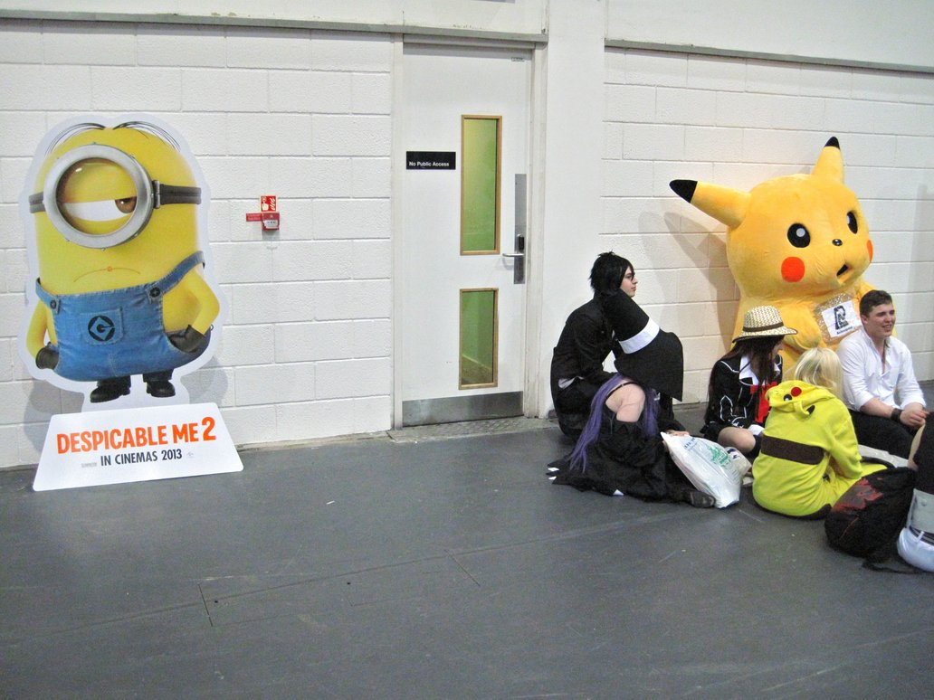 Minion is not amused by Zeroking. Photo from Deviant Art.