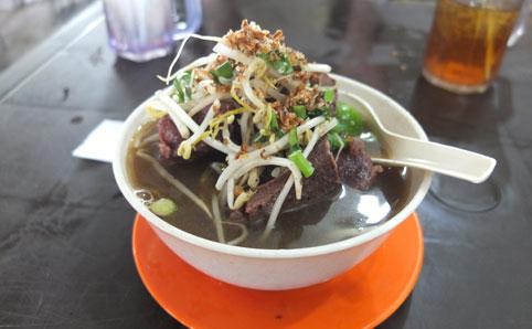 Warung Cherry Jalan Penchala Hilir, Kampung Sungai Penchala, KL (019 344 1326). Open daily, 12noon-2am.