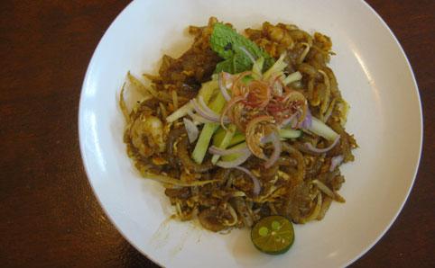 Restoran Well Cook Gourmet 74 Jalan SS14/2, Subang Jaya (012 6811 623). Daily, 12noon-9pm, closed alternate Suns.