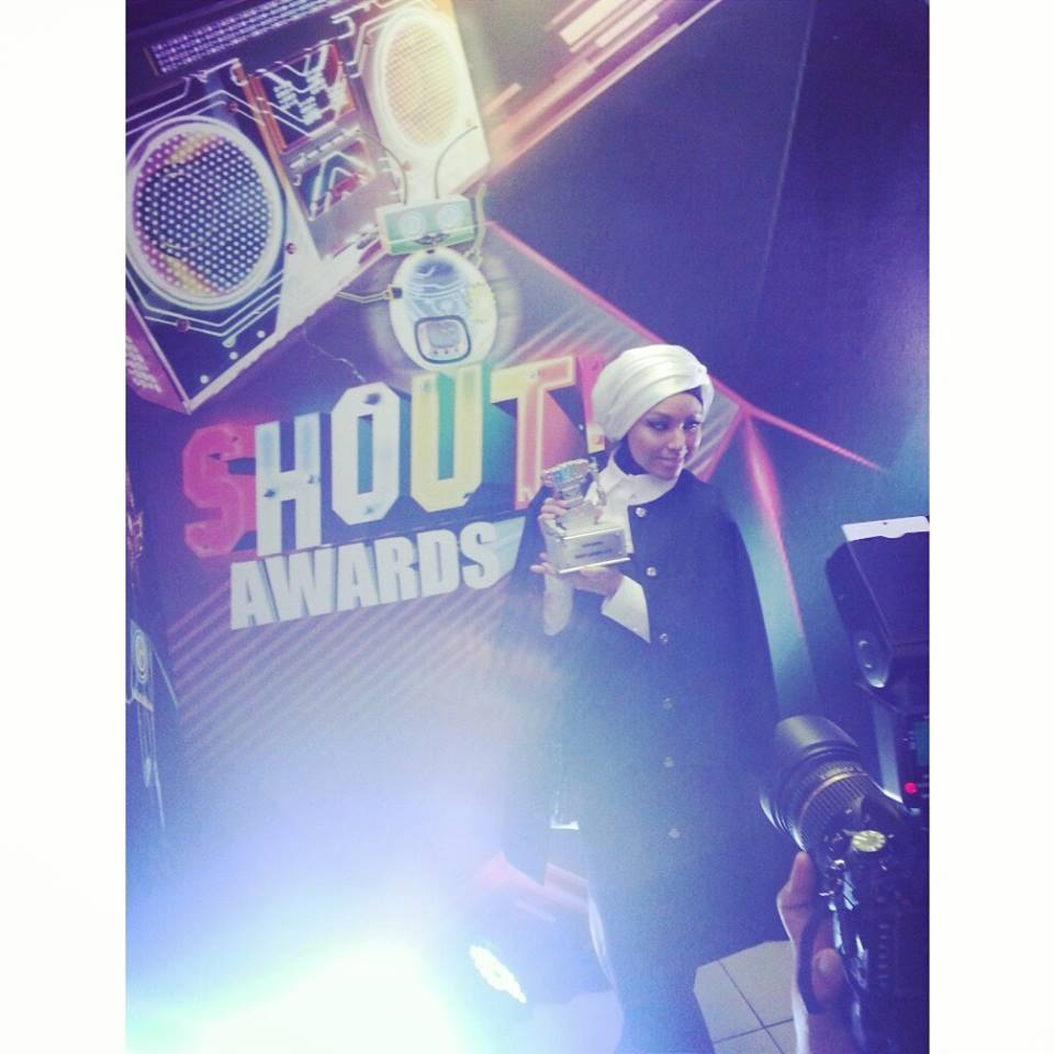 """Syukur Alhamdulilah for the Flava award from #theshoutawards! It is such a blessing, big love to all the fans who voted n supported me and my collab with Jay Park, and big love to all the other winners of the night!"" - Photo from Mizz Nina Facebook."