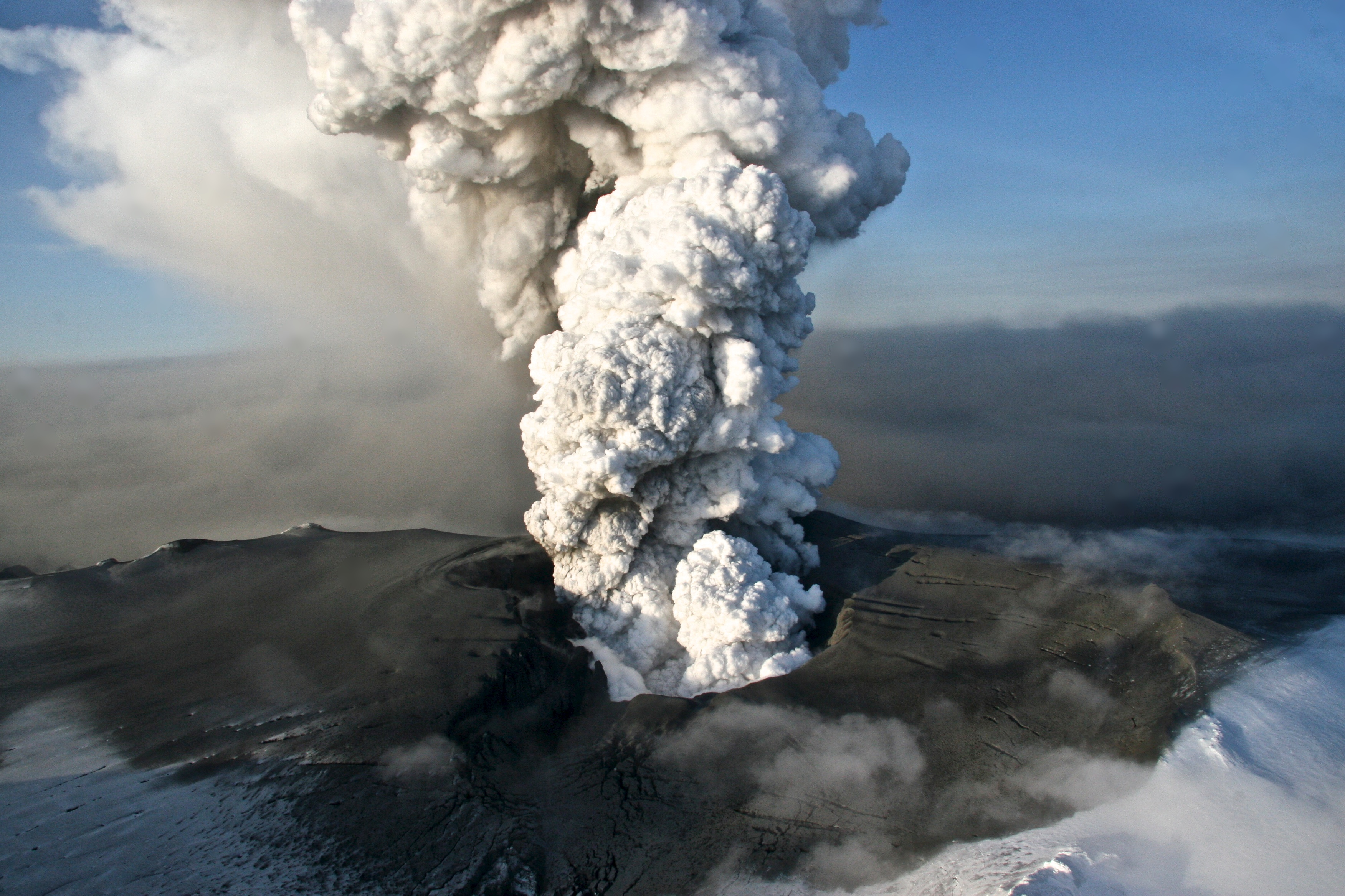 [PHOTOS] 11 Hottest Volcano Hikes In The World That Would ...