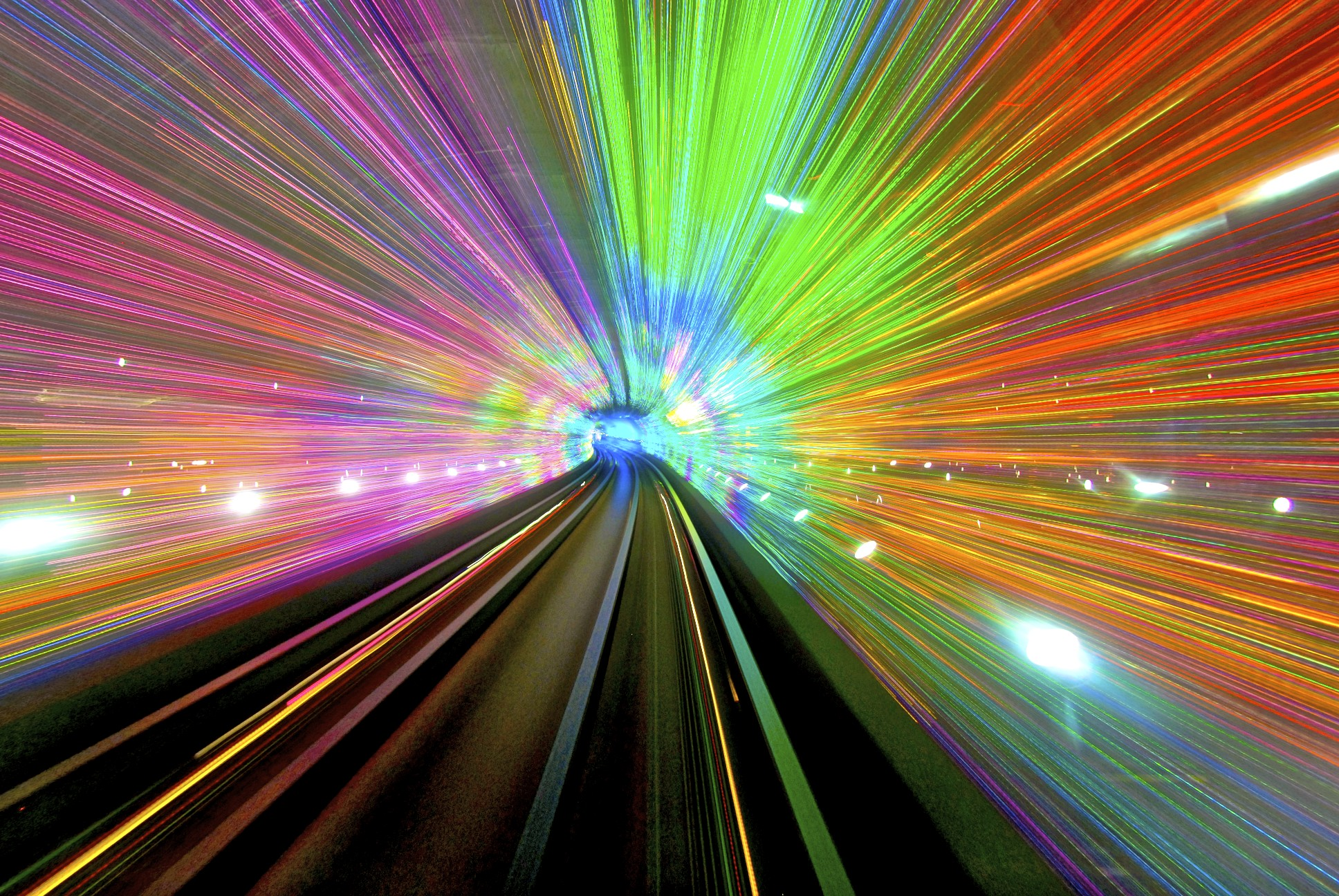 The Bund Sightseeing Tunnel may not officially be a subway. However, it is a train trip well worth taking. To be exact, the Bund is a tunnel that runs underneath the Pu river.