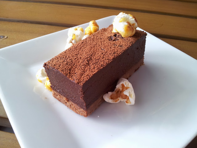 You must try this beautiful chocolate cake! Photo from Lenexxx.
