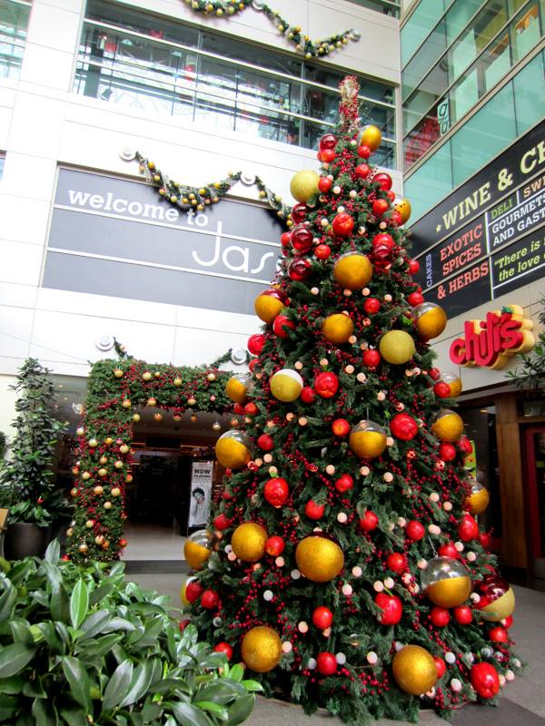 Decorating Ideas > SAYS Top 12 MustSee Christmas Mall Decorations In  ~ 123946_Christmas Decoration Ideas Mall