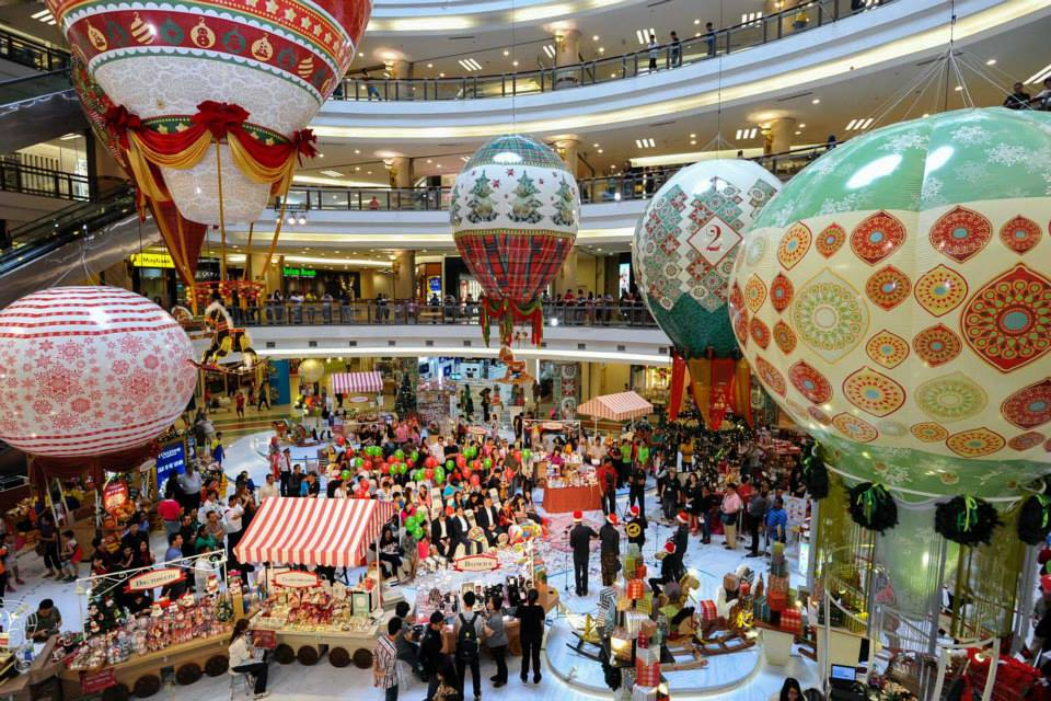 christmas decorations in 1 utama shopping centre 2013 image via akamaihdnet - Mall Christmas Decorations