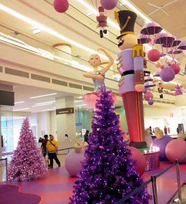 Christmas Decorations 2013: SAYS Top 12 Must-See Christmas Mall Decorations In