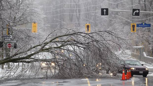 PHOTOS] Massive Ice Storm Blankets Toronto And Eastern Canada