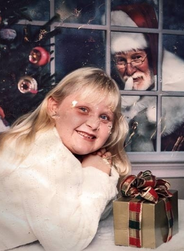 This girl who turned Santa Claus into a creepy stalker