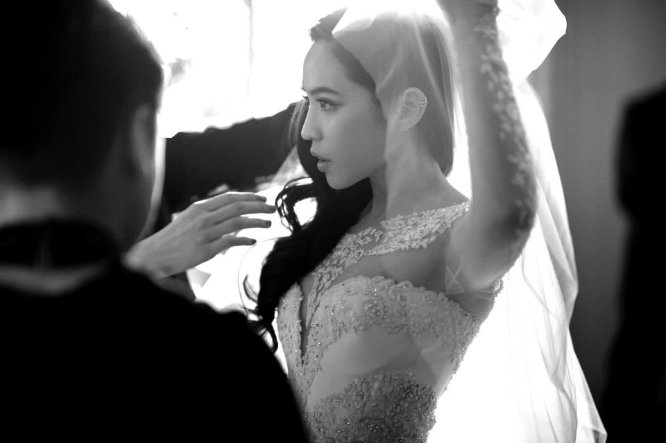 Arissa Cheo gets ready for her wedding ceremony with Vanness Wu in Los Angeles.
