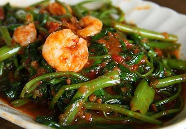 Eatings lots of Kangkung can reduce cholesterol levels, prevent cancer and improve eye health