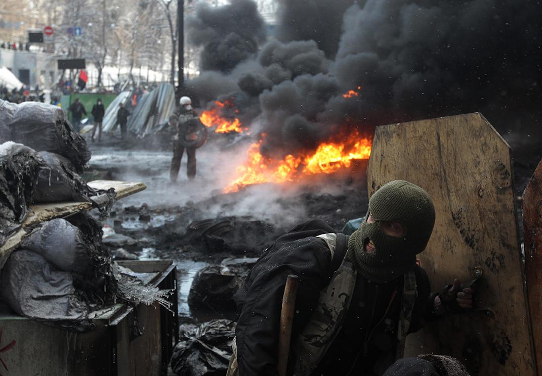 Tires burn amid Kiev clashes.