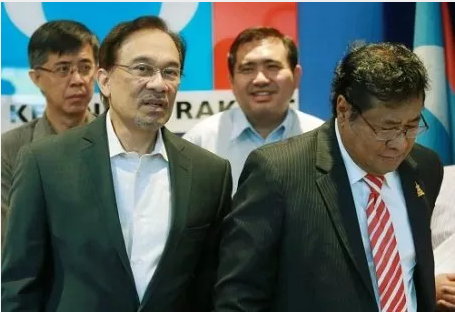 "BN Should ""Let PKR Continue Our Work In Selangor,"" Says Anwar"