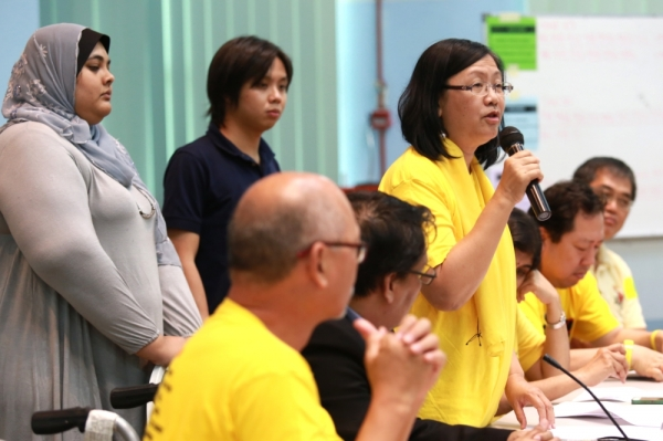 The Bersih 2.0 steering committee said Lee's decision to quit was nothing short of a 'betrayal of trust', and was unacceptable as it cast aside public interest for the benefit of his party.