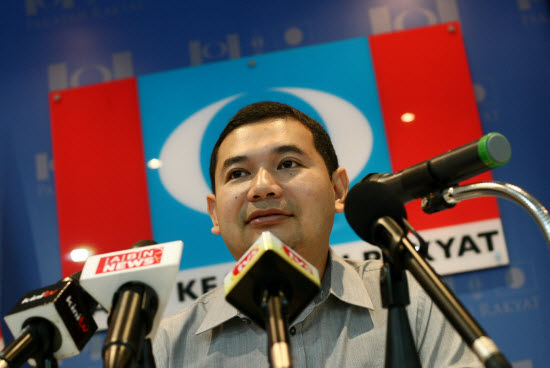 Rafizi Ramli Publicly Apologises For Forcing The Kajang By-Election, But Malaysians Are Not Forgiving