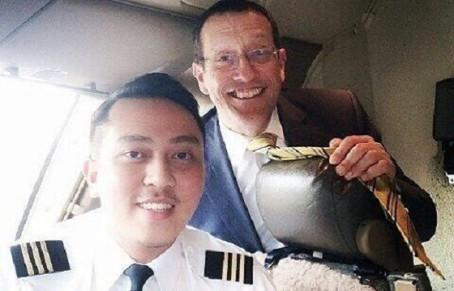 A photo of Quest and Fariq is being shared on social networks believed to be from the CNN Business Travel shoot.
