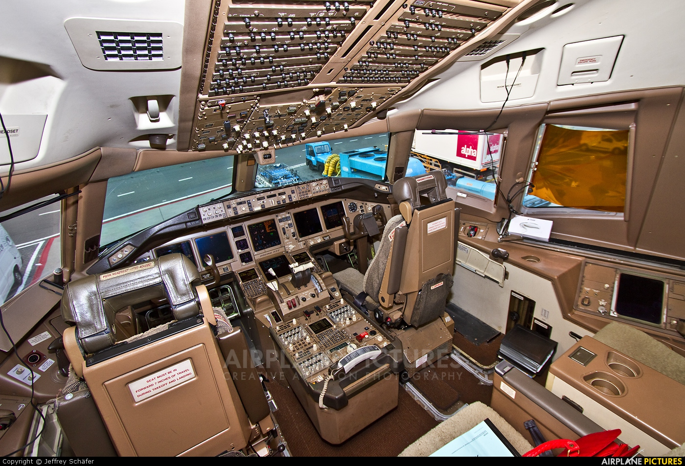 Malaysia Airlines Boeing 777-200ER 9M-MRH