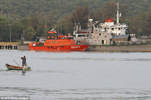 1,800 Fishermen Roped In To Help Search For Missing MH370