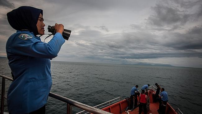 SAR team looking for MH370