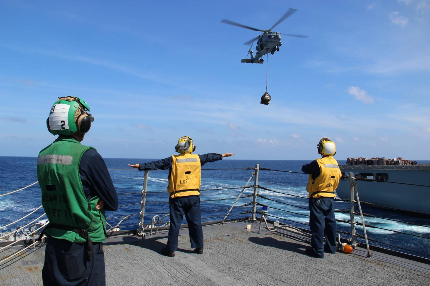 USS Kidd conducts search and rescue operations for missing Malaysian Airlines flight MH370