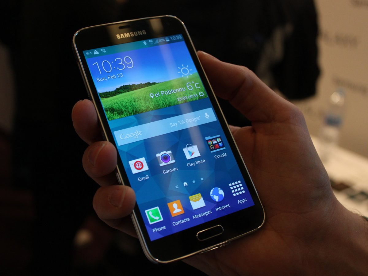 Super AMOLED used in Samsung Galaxy S5