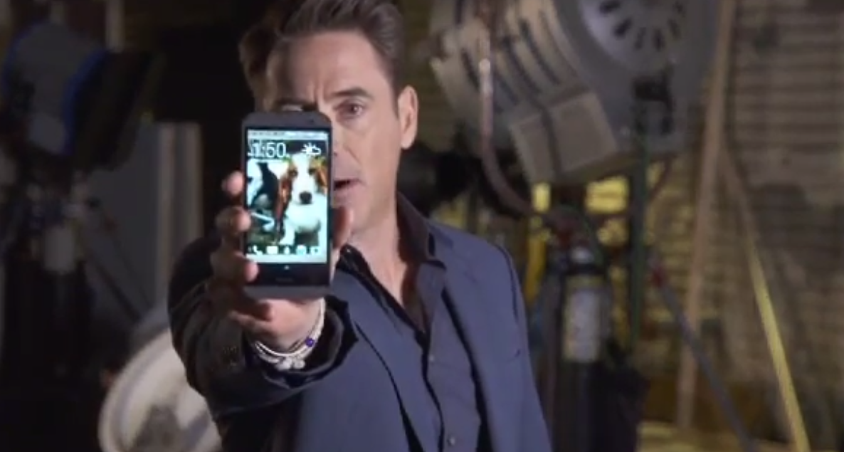 Robert Downey Jr. promotes HTC One M8.