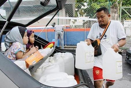 Water rationing in Selangor.