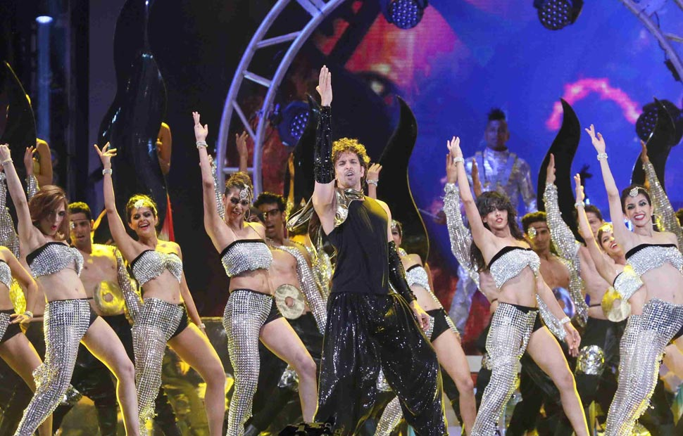 Actor Hrithik Roshan performs during the 15th International Indian Film Academy Awards in Tampa, Florida, April 26, 2014.