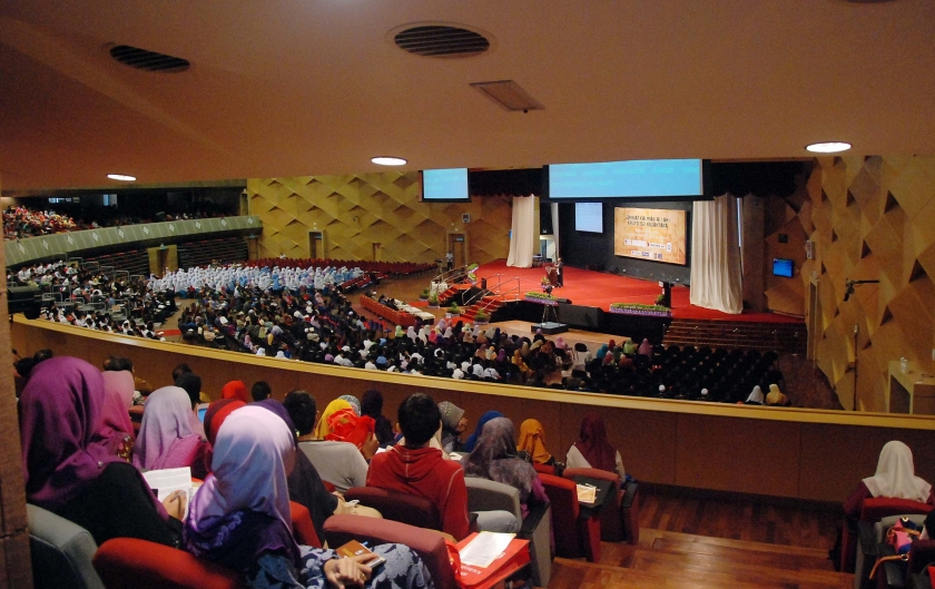 """Indonesian Lecturer Masyud S.M Argued That """"The Christian Gospel Is A Fake Gospel"""""""