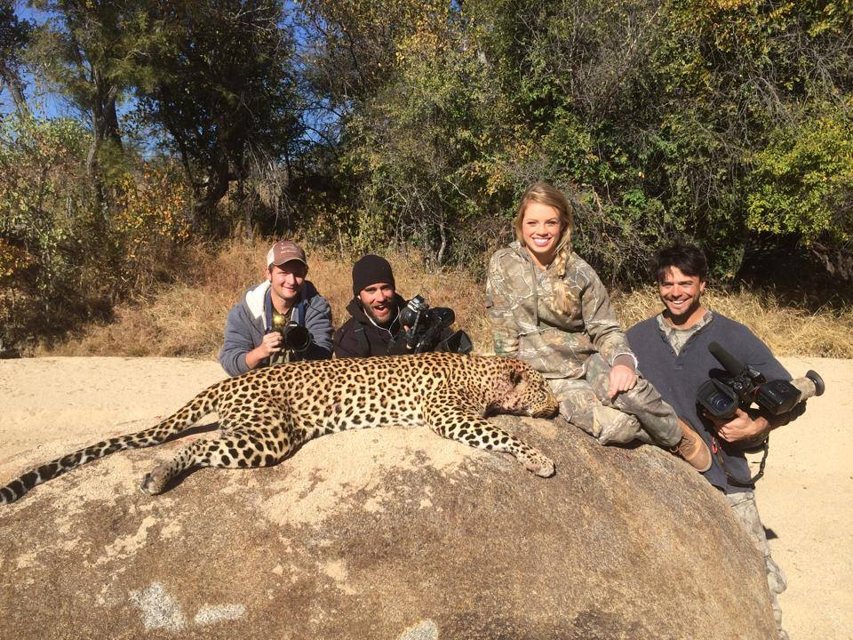 Image of: Hunter Safety Jones And Her Camera Boys Josh Kieran And Mack In Zimbabwe Sayscom 19yearold Who Hunts Endangered Animals And Posts Them On