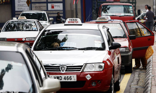 In Kuala Lumpur, a 39-year-old taxi driver was caught for allegedly slashing a colleague to death after a scuffle broke out between the two.