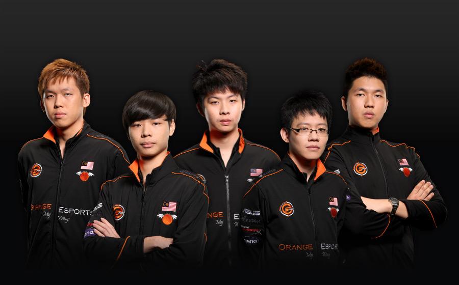 "Team Orange from left to right: Leader Chai ""Mushi"" Yee Fung, Wai Pem ""Net"" Lim, Kang Yang ""ky.xy"" Lee,  Joel ""XtincT"" Chan Zhan Leong, Chong Xin ""Ohaiyo"" Khoo."