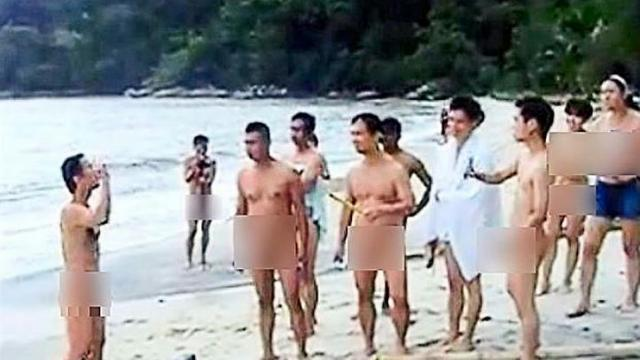 nude-malay-on-beach-girl