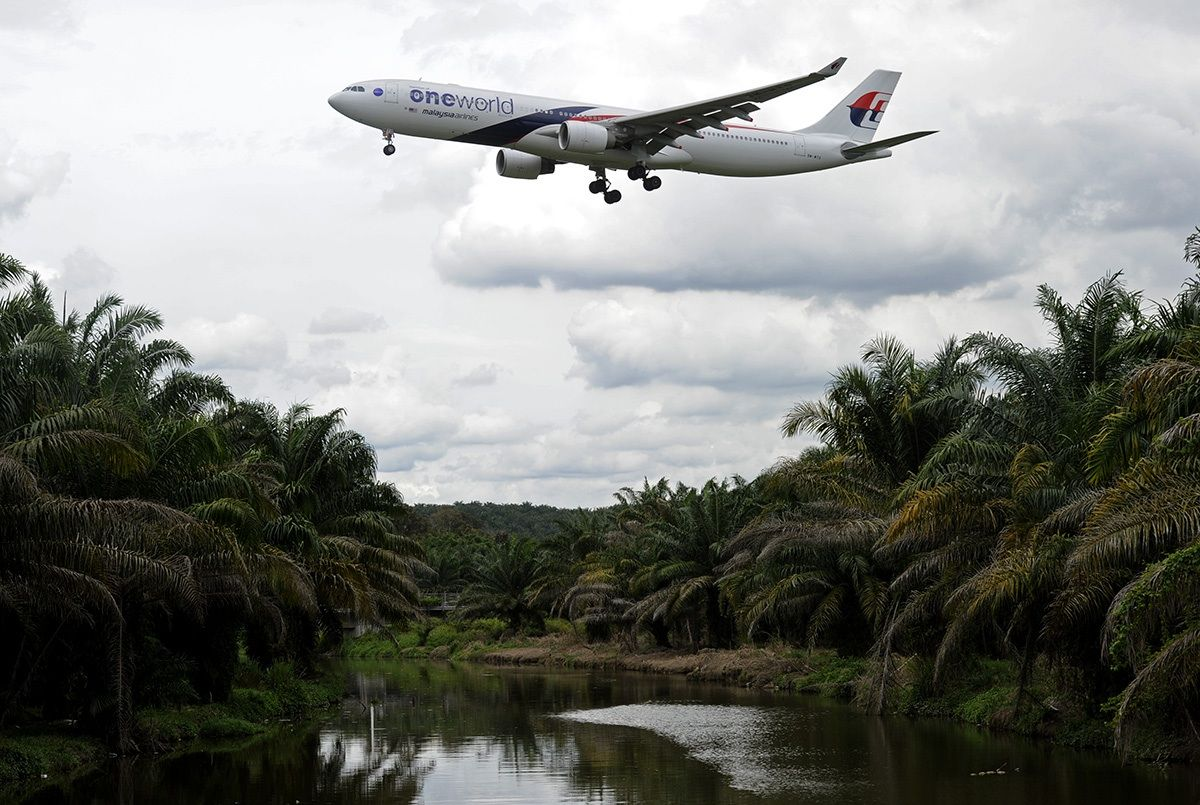 essay about turning around malaysia airlines