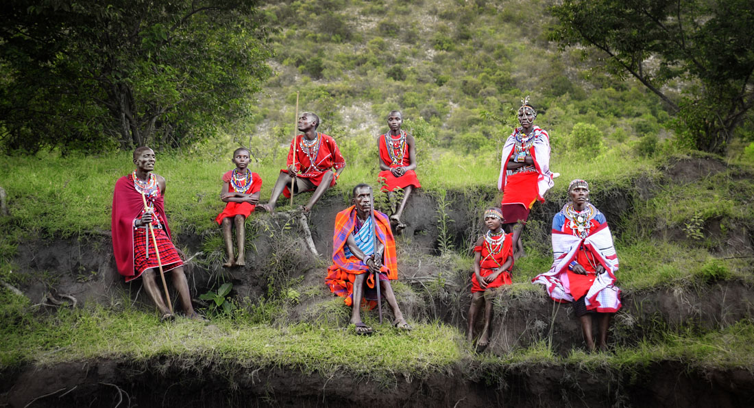 The Masai peole are among the best known local populations due to their residence near the many game parks of the African Great Lakes, and their distinctive customs and dress.
