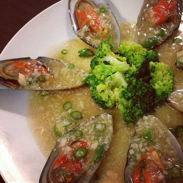 Succulent Garlic Steamed Mussels.