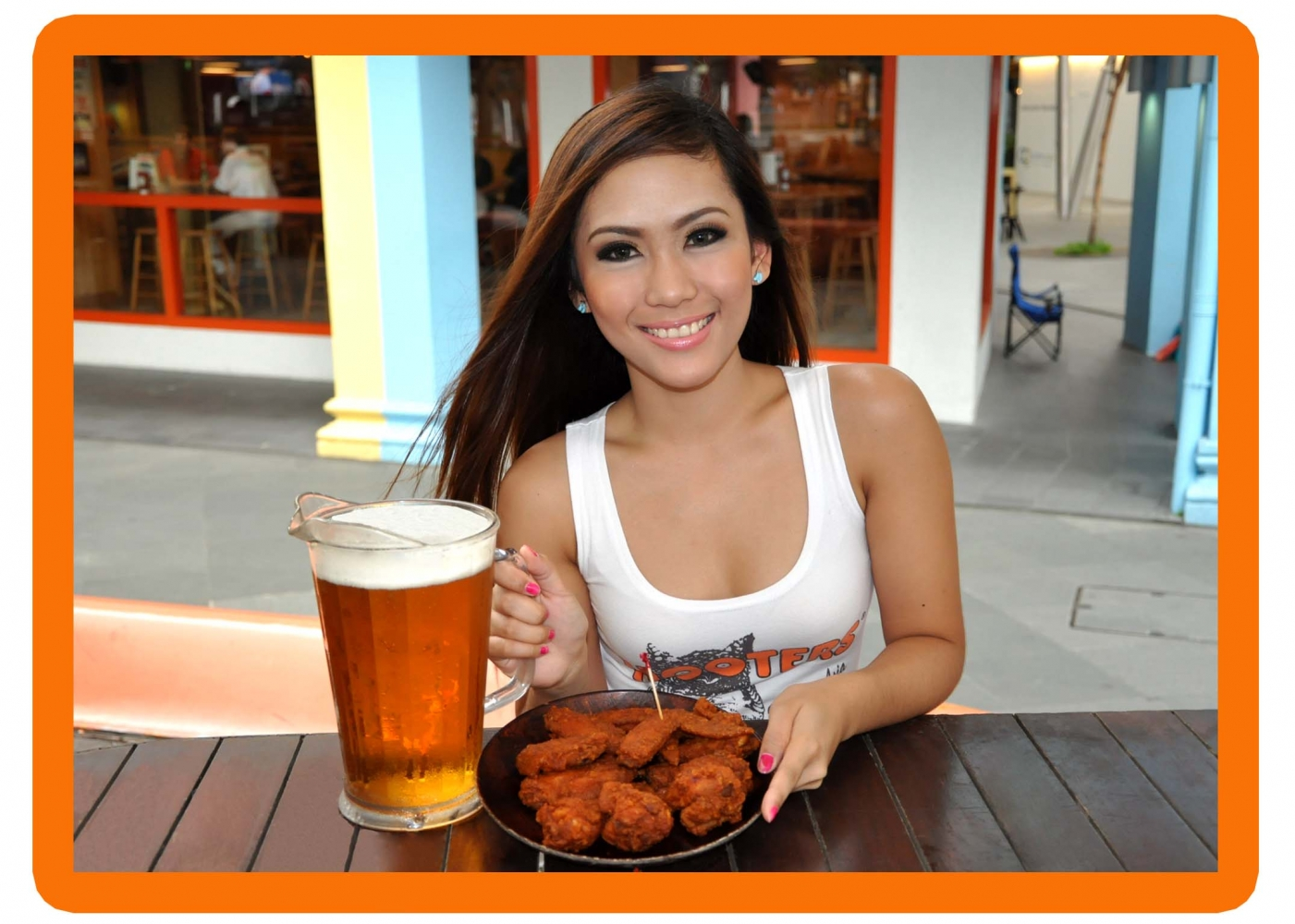 Image from hooters.com.sg