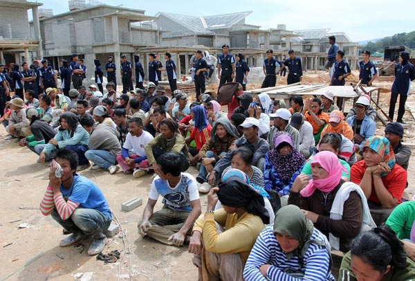 Chiến dịch truy quét gây nguy hiểm đối với các bạn lao động bất hợp pháp tại Malaysia, tất cả cho thấy đó không phải là một lời nói suông của chính phủ Malaysia nhằm quét sạch lao động bất hợp pháp ra khỏi đất nước.