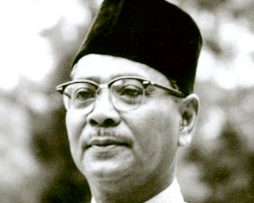 Maybe he just didn't need one. Because look at those super cool glasses. Tunku Abdul Rahman has got style!