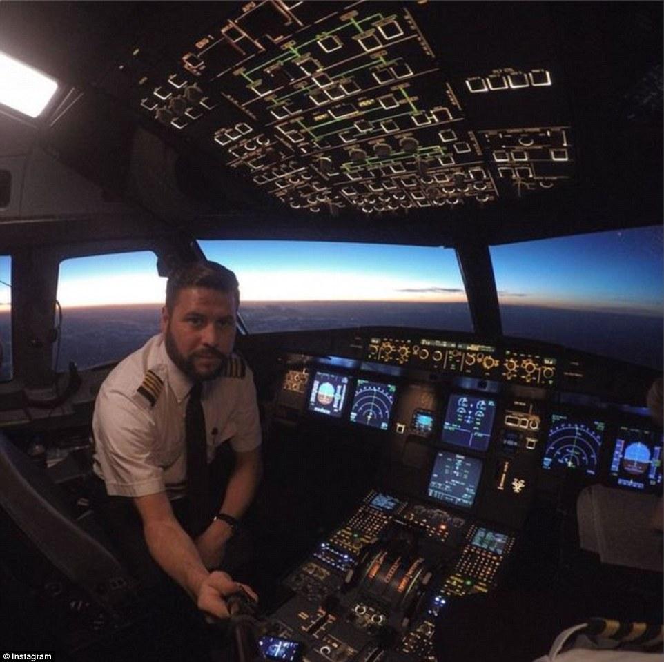 Captain Cockpit