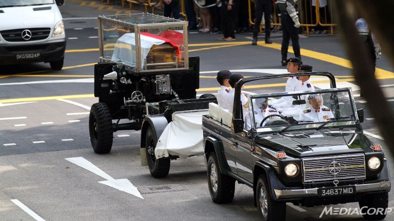 Mr Lee Kuan Yew's gun carriage procession making its way to Parliament House.