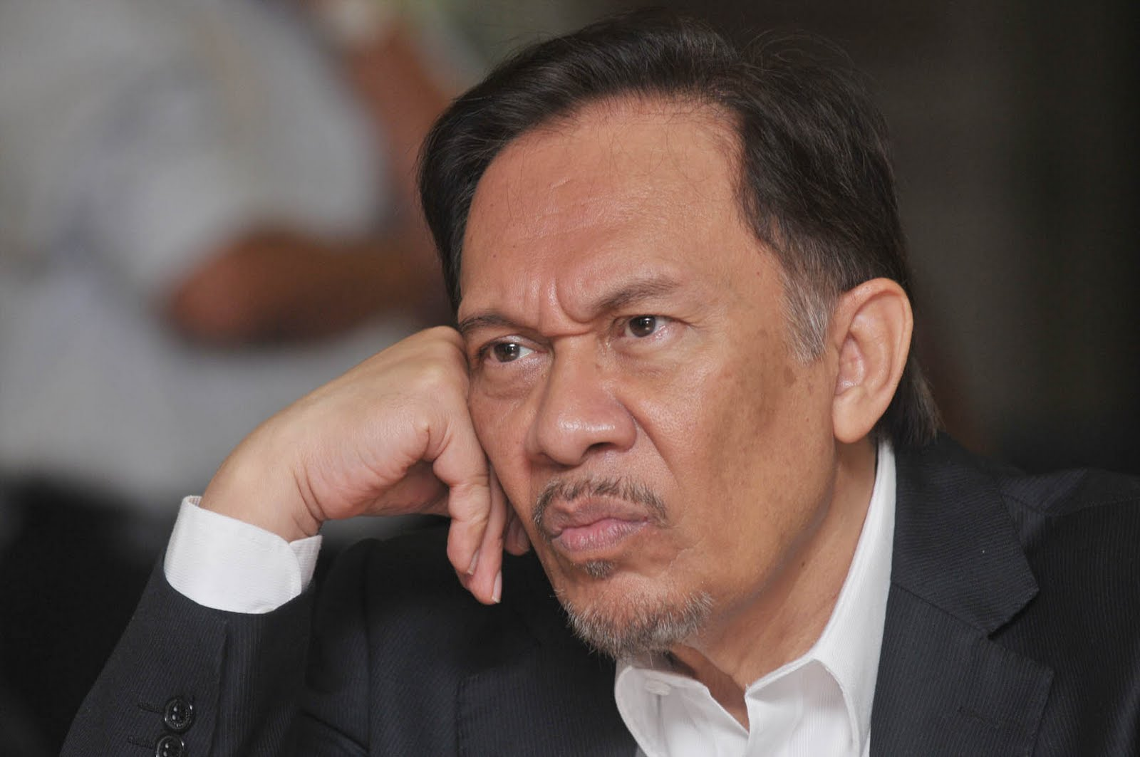 Anwar Ibrahim's Permatang Pauh seat has been announce as vacant but his lawyer begs to differ.