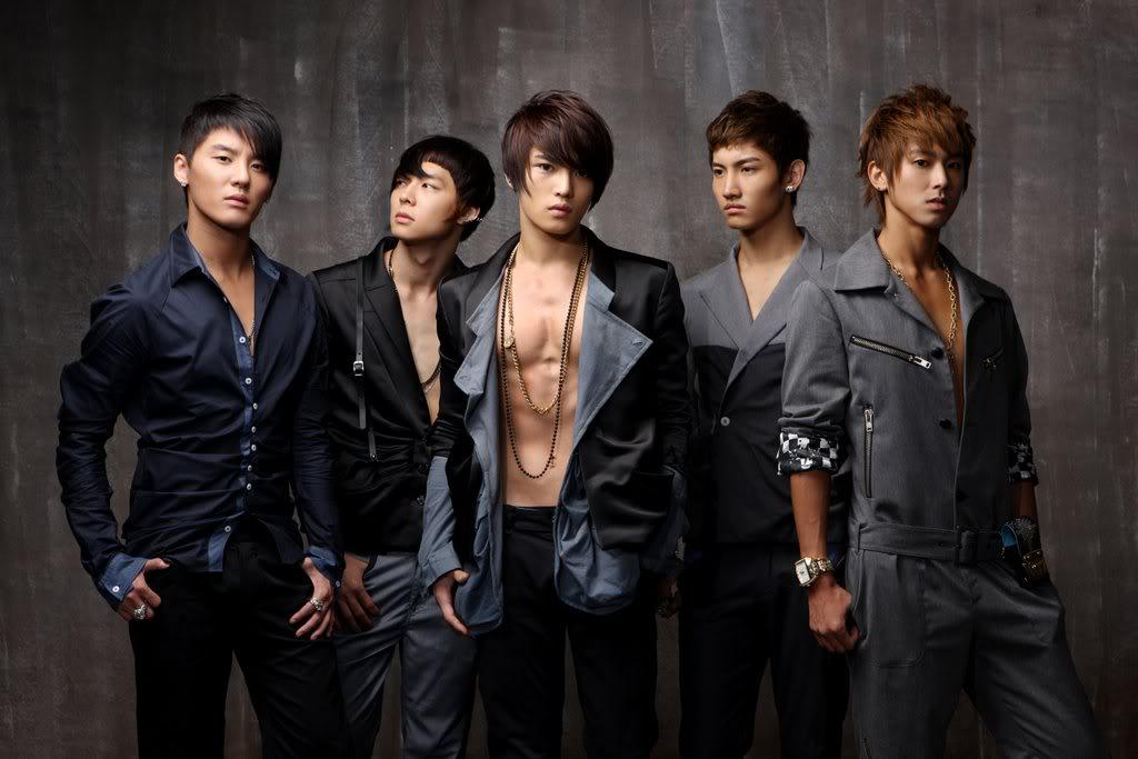 TVXQ's original line-up of five members.