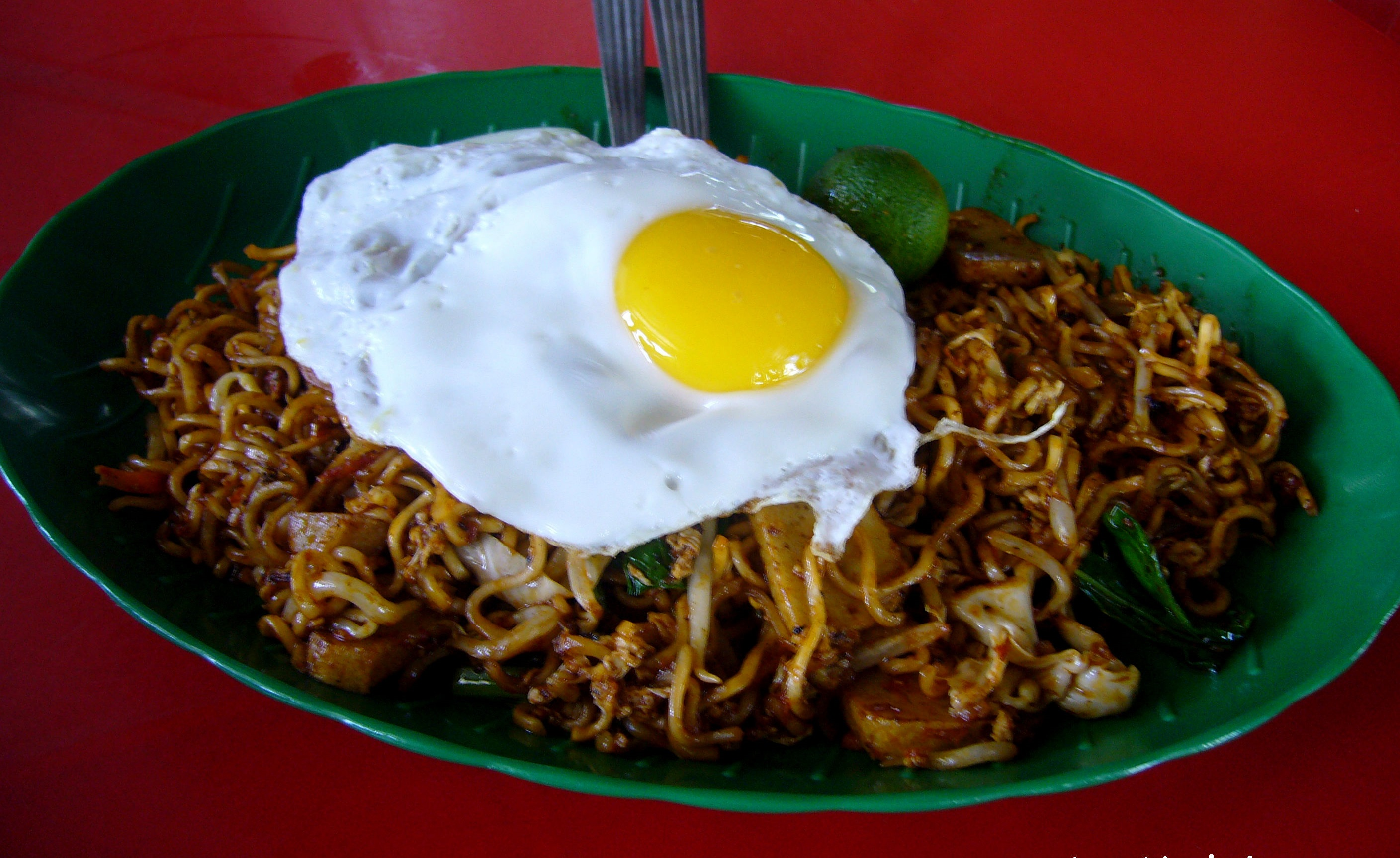 What Would Happen If Malaysia's 24-Hour Mamak Stalls Had A Curfew?